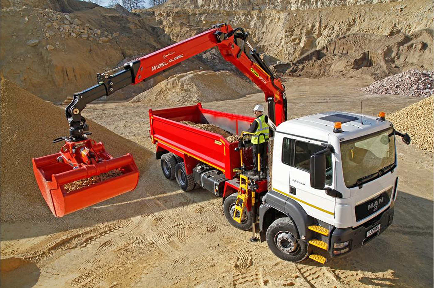 Palfinger Epsilon M125L Classic crane in quarry close up
